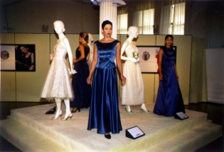 Set Design of a museum style gallery to highlight Sears feminine clothing line.